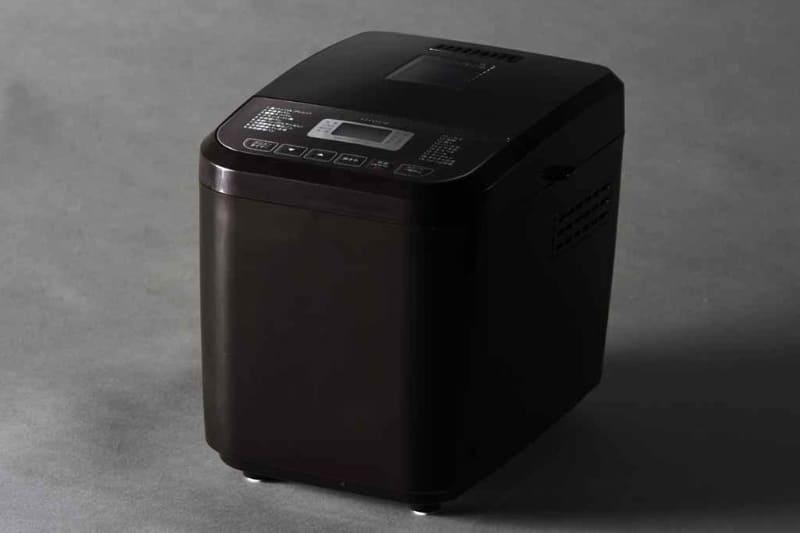 シロカから登場した「シロカのおうちベーカリー SB-1D151」。本体サイズは約232×295×253mm(幅×奥行き×高さ)、重さは約3.6kgとコンパクトで軽いので扱いやすいが、作れるメニューは多彩