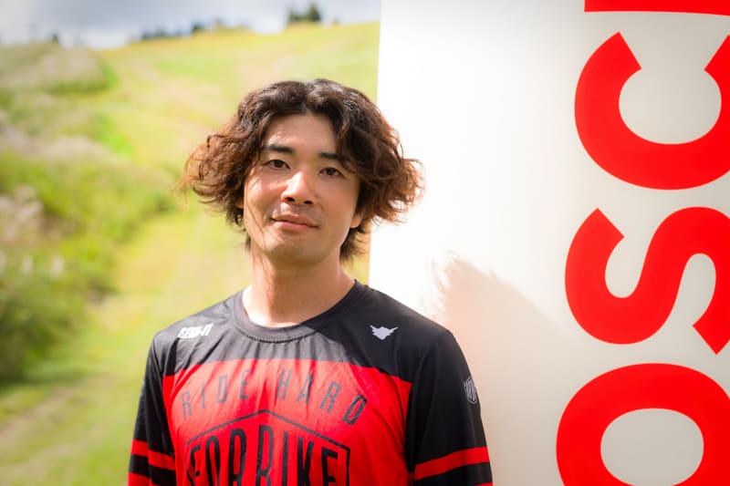 現役プロマウンテンバイクライダーの阿藤 寛氏