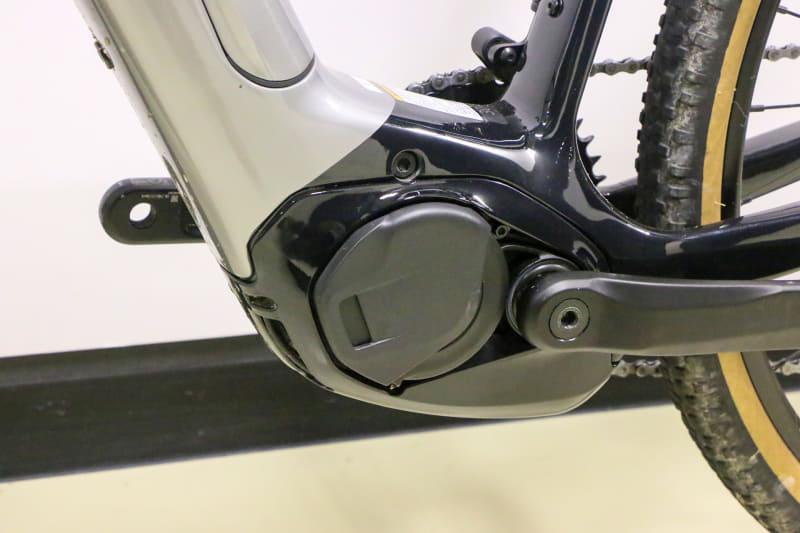 最大75Nmのトルクを発揮し、軽量・コンパクトなドライブユニット「Performance Line CX」を採用。しっかりカバーされているところからも、本気でオフロードを走ることを視野に入れていることが伝わってきます