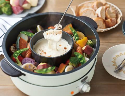 チーズフォンデュや2色鍋が楽しめる