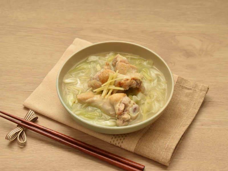 ショウガをたっぷりと入れた、体が温まるスープです