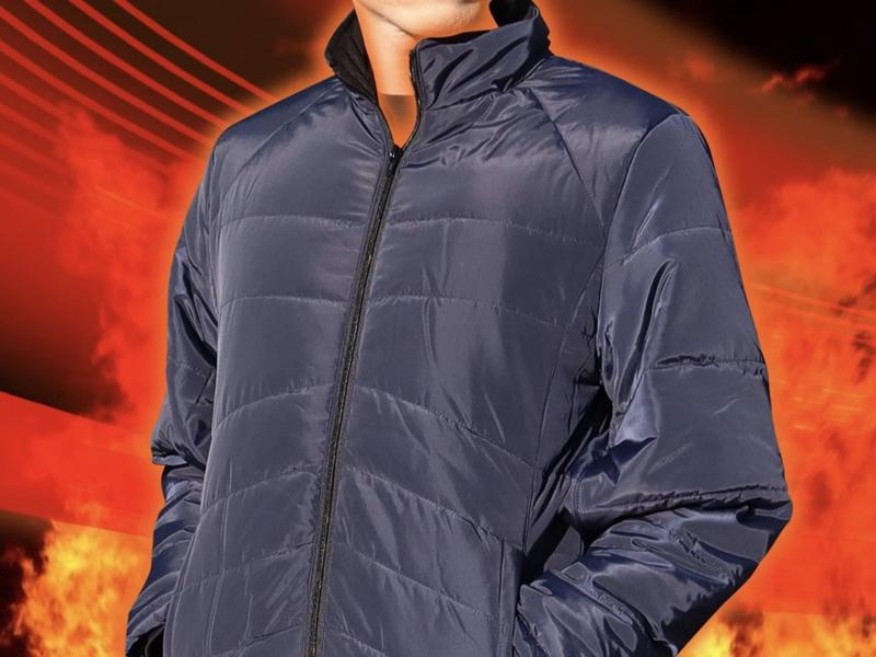 約10秒で温まるヒーター内蔵ジャケット