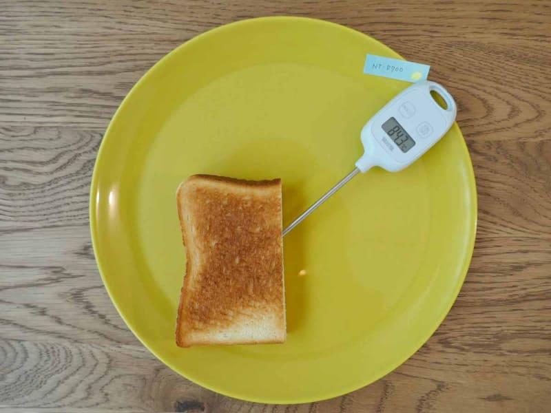 4枚切りの冷凍食パンをビストロで焼いた場合。中心温度は84.3℃