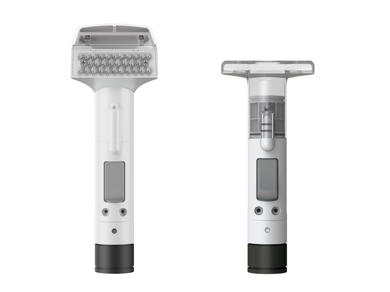 2種類のヘッドで場所に合わせた最適な掃除が可能。(左)ブラシ付きヘッド、(右)T型ヘッド