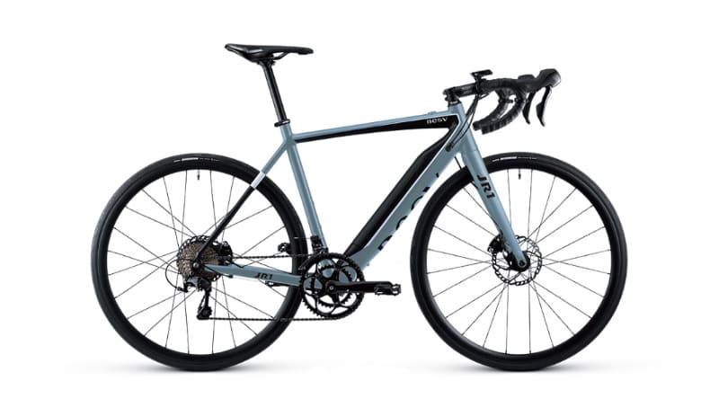 ロードバイクタイプのe-bike「JR1」。カラーはマットブルー、マットホワイト、マットブラックの3色。価格は303,600円