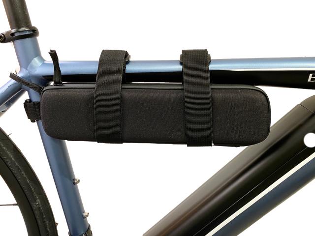 専用バッグはトップチューブにしっかり固定できる