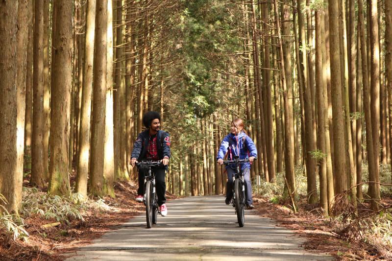 初心者でも楽しめるツアーe-bikeツアーも用意