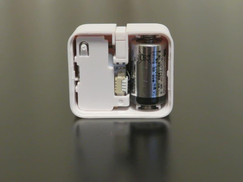 CR2型リチウム電池で動く