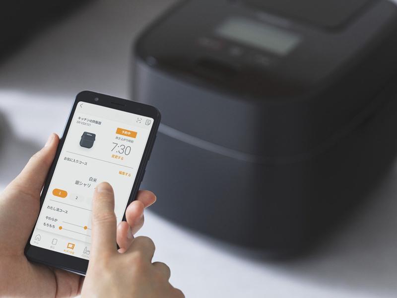 専用のスマートフォンアプリとの連携で、新しい銘柄の炊飯プログラムが追加できる