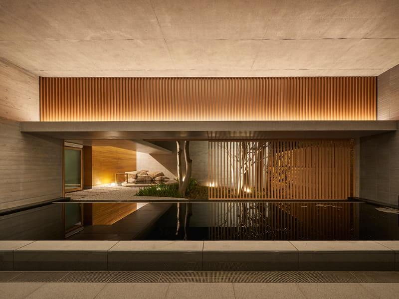 天然温泉「紅葉乃湯」。宿泊者限定の温泉のため、混雑時でもゆとりを持って利用できるとしている