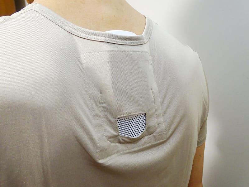 REON POCKETと同時に発売された専用インナーウェア。下着として開発されているためか生地がやや薄く、REON POCKETを装着するとたるんでしまう。これ1枚で外出するのはさすがに厳しい