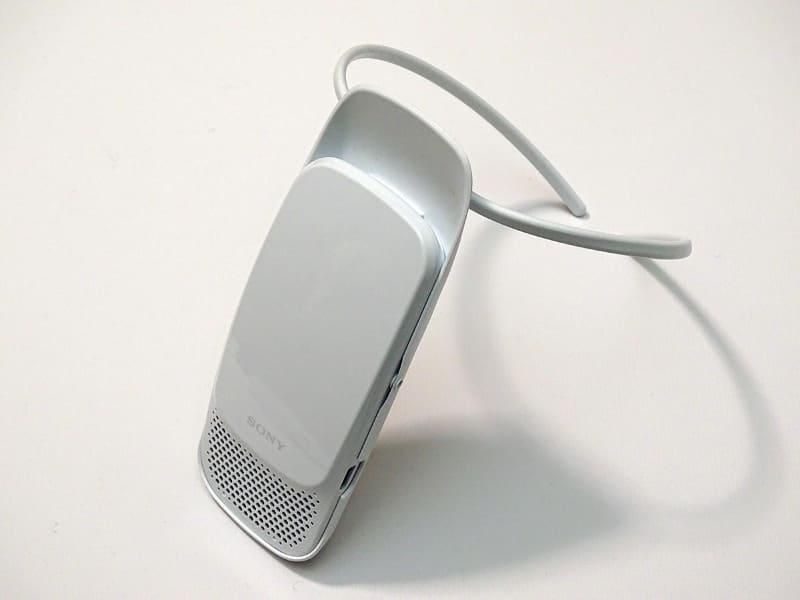 専用インナーウェアがなくてもREON POCKETを装着できるようにネックバンドが発売された