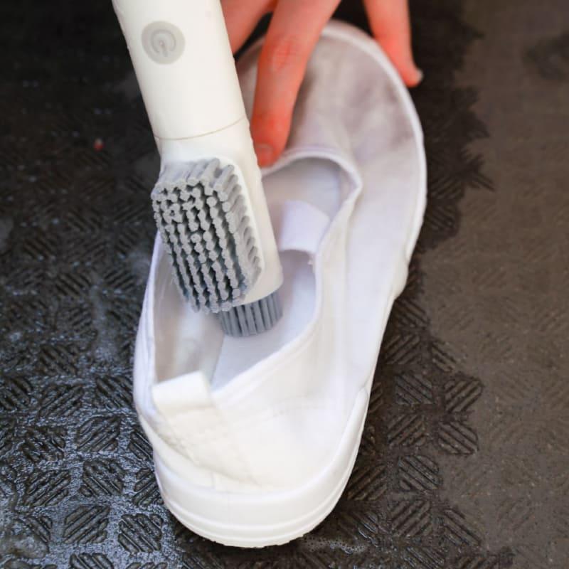 先端部のブラシでは細かな部分も洗える