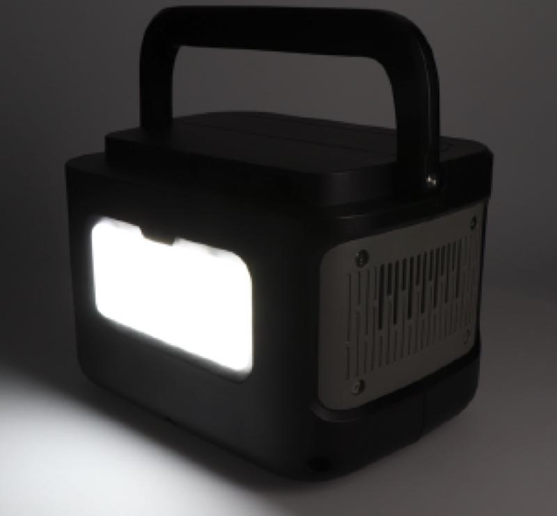 本体にLED照明を搭載。明るさは3段階に調整可能