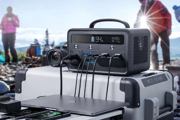 プライムデー対象の大容量ポータブル電源「Anker PowerHouse II 800」