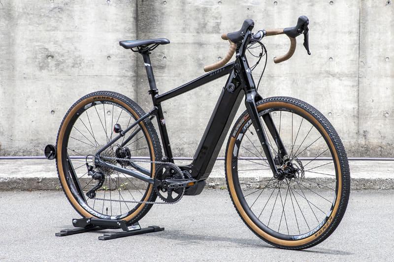 2021年6月に発表、9月発売予定となっているミヤタのグラベルロードe-bike「ROADREX i 6180」。ミヤタブランド初となるインチューブタイプのバッテリーを採用。価格は363,000円