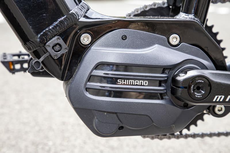 ドライブユニットはシマノSTEPS「E6180シリーズ」を採用。ここは現行型と変わらず