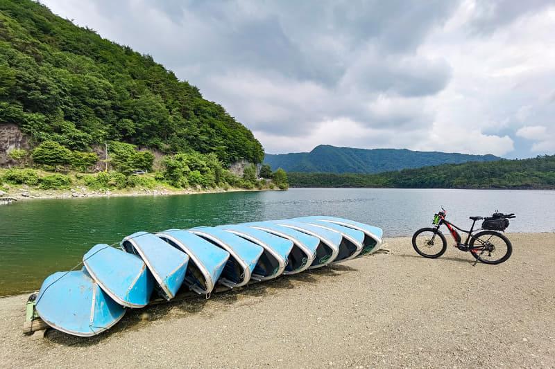 結局ここでも釣れませんでしたが、静かで風景もよく、自然はしっかり満喫できました。じゃあe-bikeサイクリングしましょう~♪