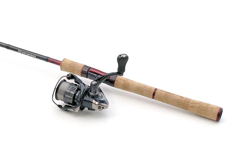 """もう一方のセットは<a href=""""http://fishing.shimano.co.jp/product/rod/5602"""" class=""""n"""" target=""""_blank"""">シマノ「スコーピオン 2651R-5」</a>と<a href=""""http://fishing.shimano.co.jp/product/series/vanquish/lineup/index.html"""" class=""""n"""" target=""""_blank"""">シマノ「ヴァンキッシュ C2500SHG」</a>の組み合わせ。銘ロッドと高品質リールで、こちらもかなりの高級品です"""