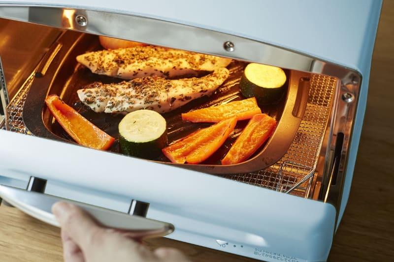 専用容器でさまざまな調理が可能