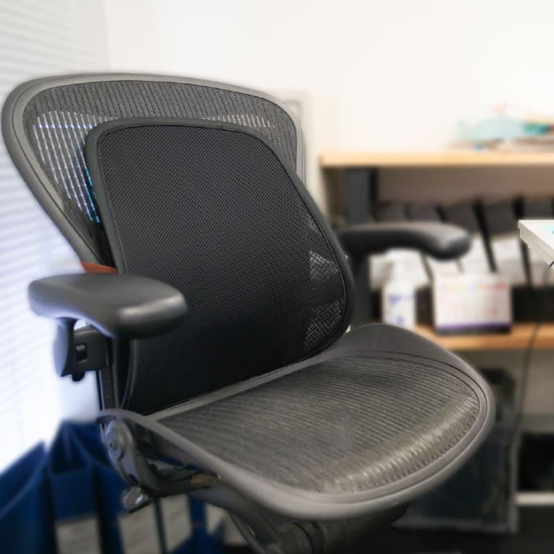 椅子に取り付けて使う