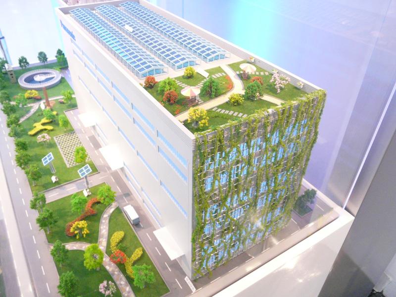 屋上緑化や壁面緑化などにも取り組んでいる