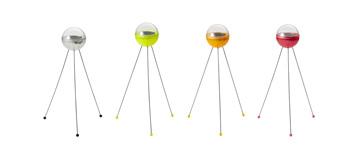 ソーラーボールライト。左から、クリア、イエロー、オレンジ、ピンク