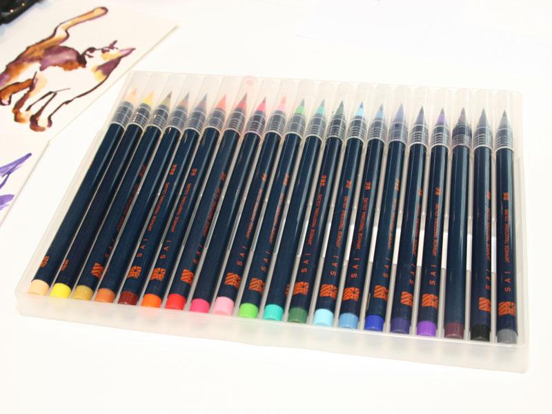 20色のカラーラインナップを揃える「水彩毛筆 彩」も展示されていた
