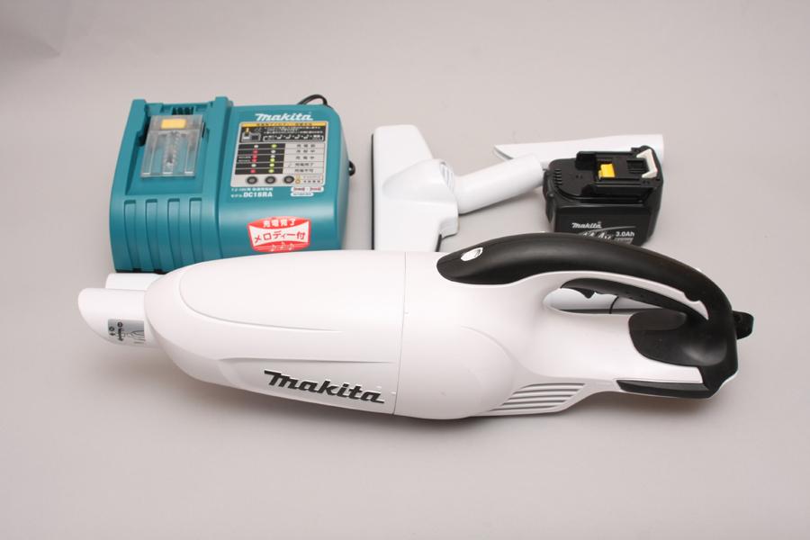 セット内容は、本体にノズル、バッテリに充電器。バッテリと充電器を除いた本体だけのモデルは希望小売価格9,800円