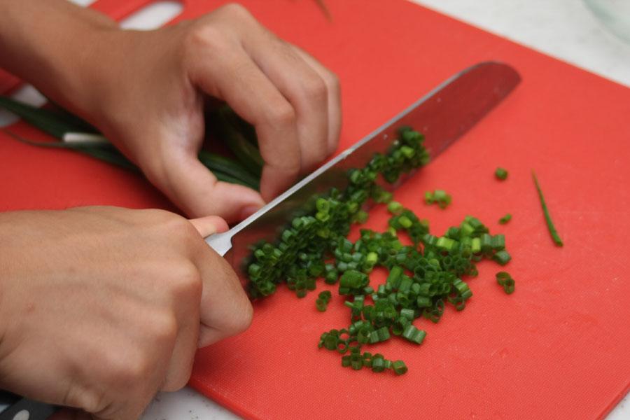 料理には必ず緑のものを添えるのが鉄則。これを守ると、どんな料理もワンランクおいしそうに見える