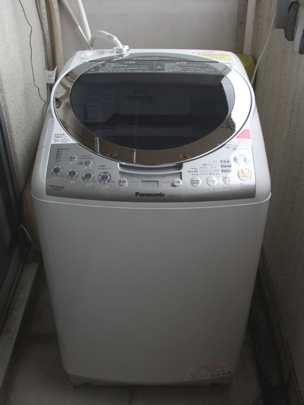 パナソニックの「NA-FR70S2」。今回は洗濯機能を中心に注目