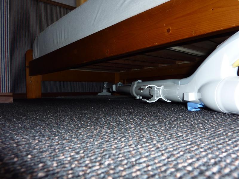 ベッドの下の遙か奥もOK