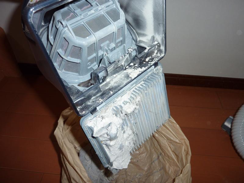 ゴミ捨てのタイミングによっては、フィルタも掃除する必要あり