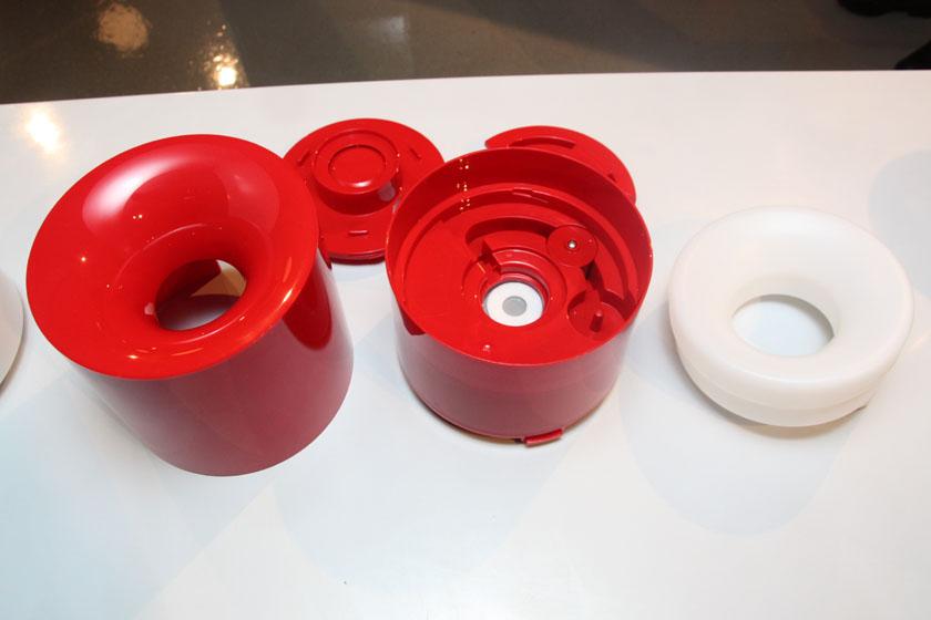 本体内部。タンク容量は500mlと、加湿器Ver.3の約2.4Lと比べると少ない