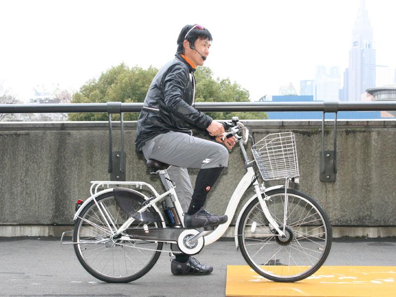 マウンテンバイクのプロサイクリストである山口考徳さんによる走行デモも行なわれた