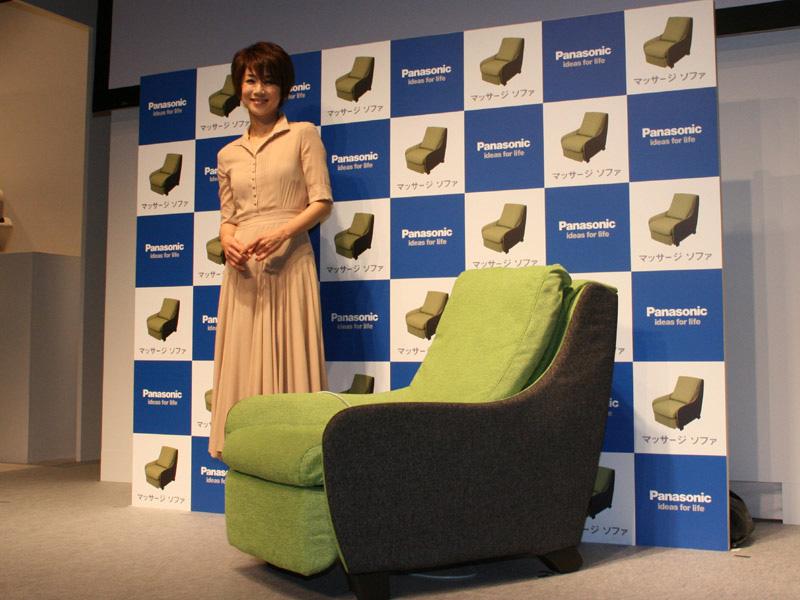 CMキャラクターにはモデルの黒田知永子さんを起用。ターゲットとなる30~40代にアピールしている