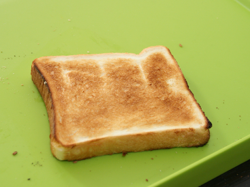 中間の4で焼いたパン