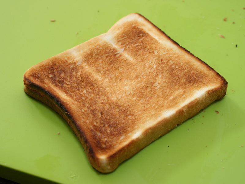 焼き目が一番強い10で焼いたパン。個人的にはこれくらいカリカリのパンが好きだ