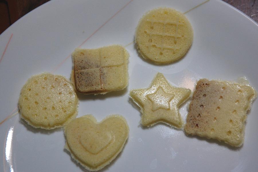 完成! 味はホットケーキをリッチにしたような感じ。子供は大喜び! ココアパウダーを入れればおコアクッキーも作ることができる