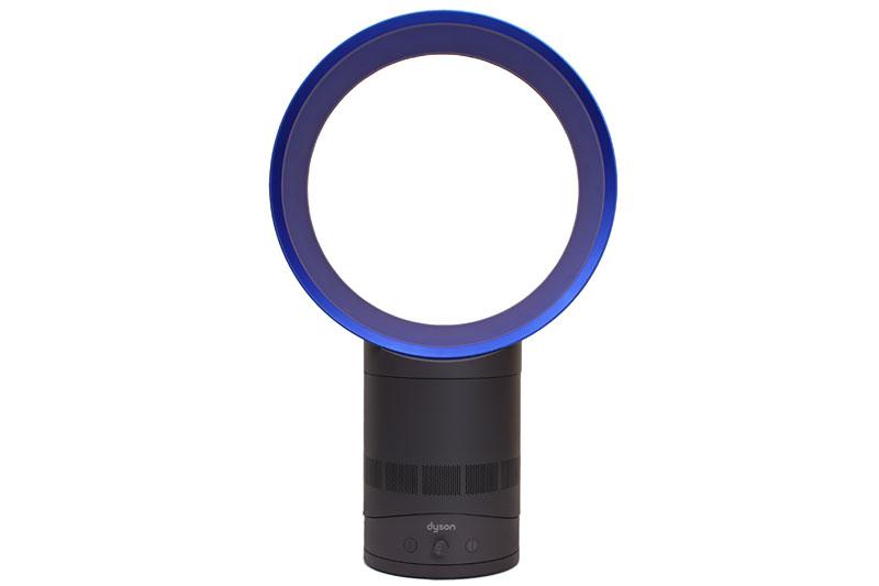 約90度の範囲での自動首振り運転も行なえる。首振りの速度は一定。なお、首振り時、このように操作ボタン類もいっしょに向きを変える