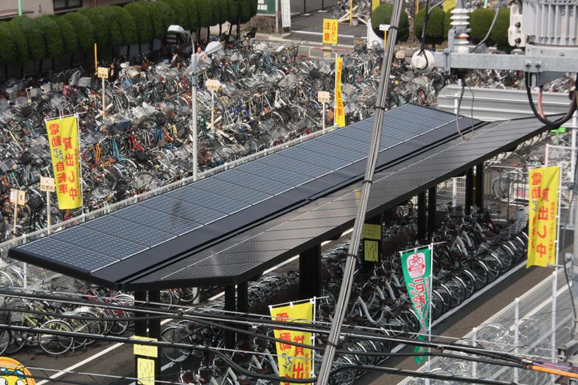 ソーラー駐輪場は、自然のエネルギーを体感し、省エネの啓蒙活動としても期待できるという