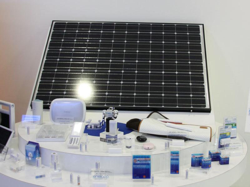 三洋電機の「HIT太陽電池」は、熱に強く発電量が多い点が特徴。ソーラー駐輪場でも採用されている