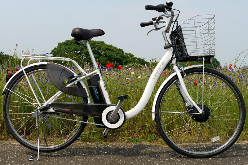 三洋電機「eneloop bike CY-SPL226」。メーカー希望小売価格は15万7,290円で、三洋電機の電動ハイブリッド自転車としてはフラッグシップモデルとなる