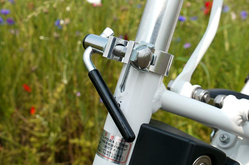 サドル高さはもちろん調節可能。CY-SPL226の場合、サドル高さは750~930mmに動かせる