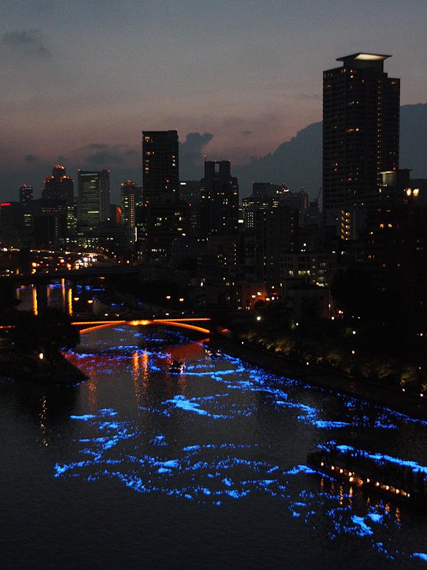 """""""天の川""""によって彩られた大阪の街並み"""