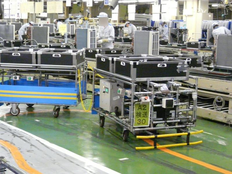 自動搬送機には6台分の部品を搭載。部品によっては10台分も運べる