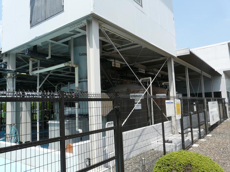 排水処理場。工場内で廃液を処理する