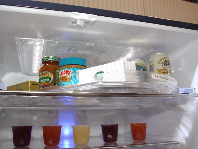 朝使うジャムやバターと夜使うビールやおつまみをそれぞれ置くなど、状況に応じて使うことができるとする