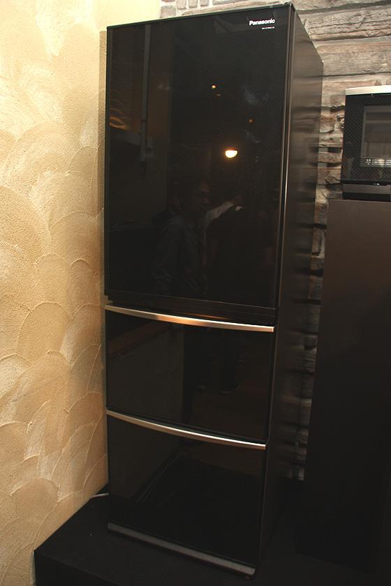 冷蔵庫「NR-C379MG-CK」は2009年度シリーズからの継続商品