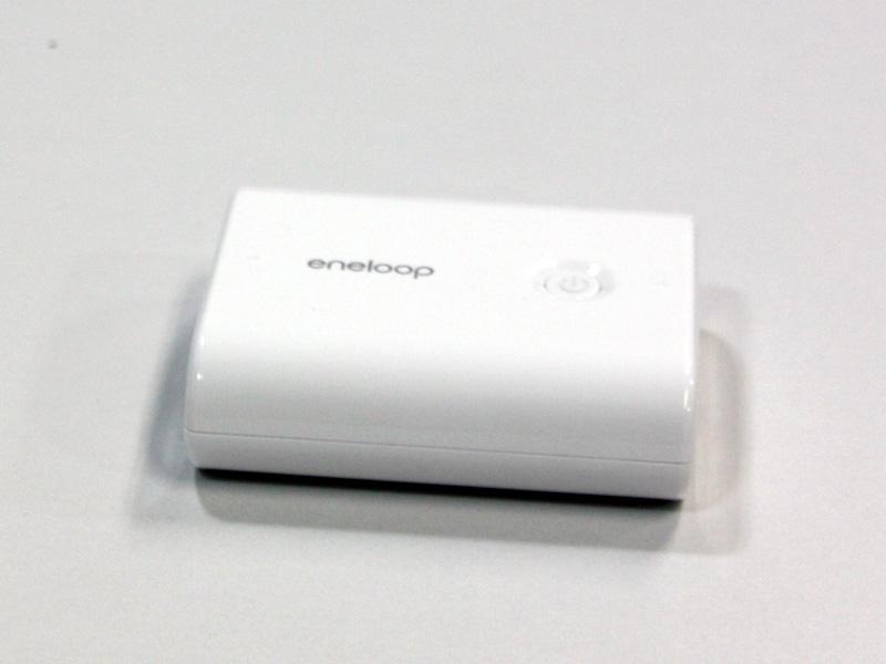 本体電源はeneloop mobile booster KBC-L3Aが採用されている